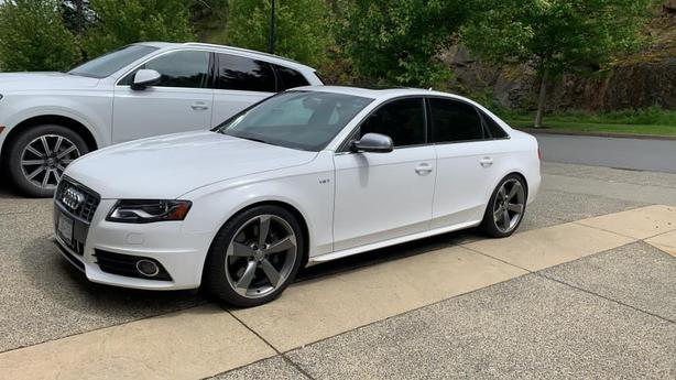 2011 Audi S4 - Transferable Warranty till Nov. 2021