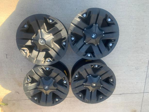 4 18in vrock rims for Ford truck
