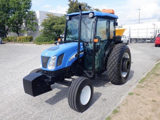 2006 New Holland TN75DA Tractor Feed/Seed Spreader Diesel