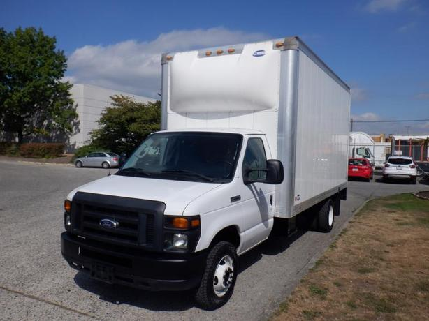 2015 Ford Econoline E-450 16.5 Foot Cube Van With Power Tail Gate