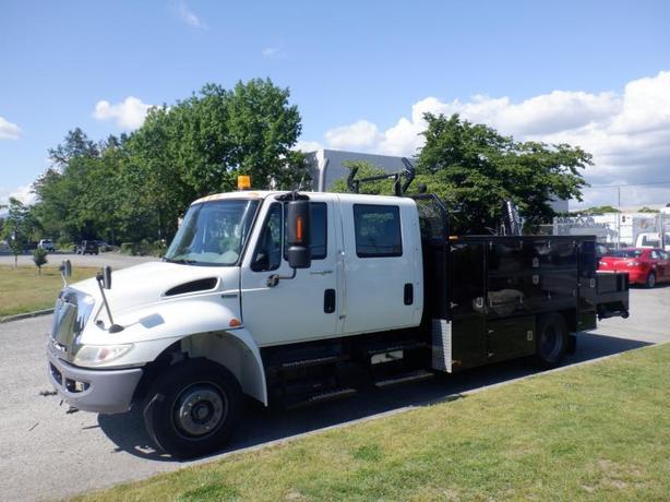 2009 International 4300 Durastar Diesel Crane Service Truck with Air Brakes