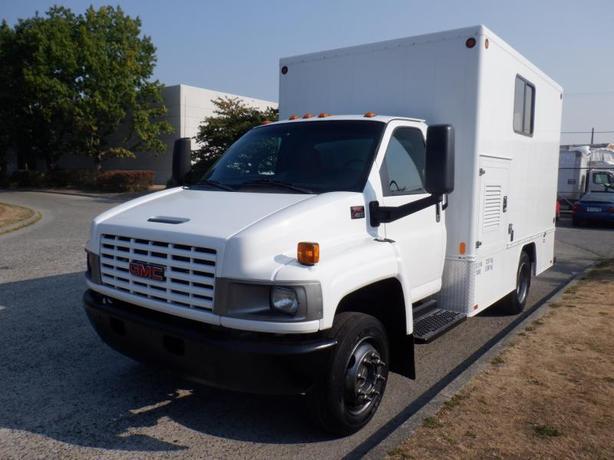 2006 GMC W4500 12 Foot Mobile Workshop Cube  Van