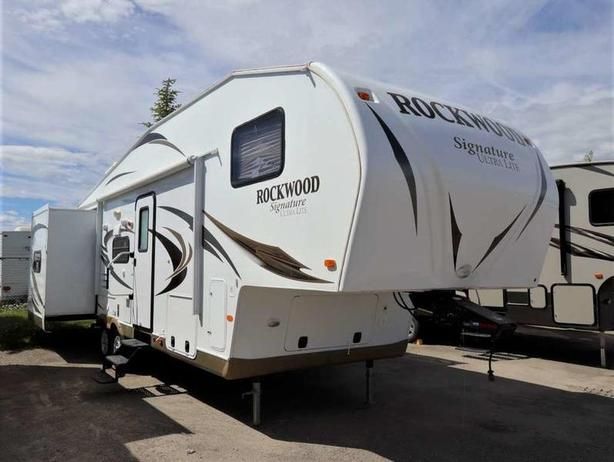 2013 Forest River SIGNATURE ROCKWOOD 8281WS