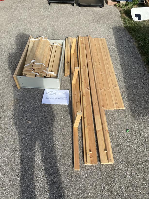FREE: IKEA Bedframe