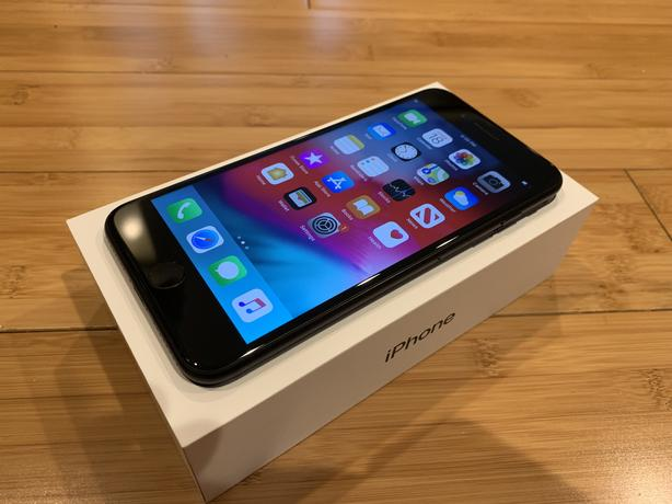 iPhone 7 Plus - Unlocked - Mint Condition - Rare iOS 12.4.1