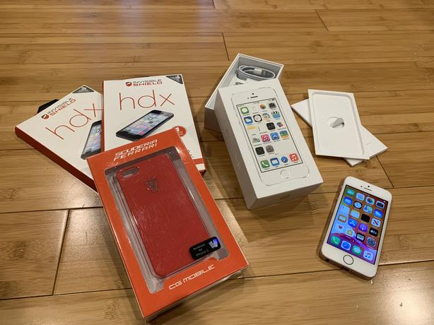 iPhone SE - 128GB - Unlocked - Mint Condition - Rose Gold - iOS 13.6.1