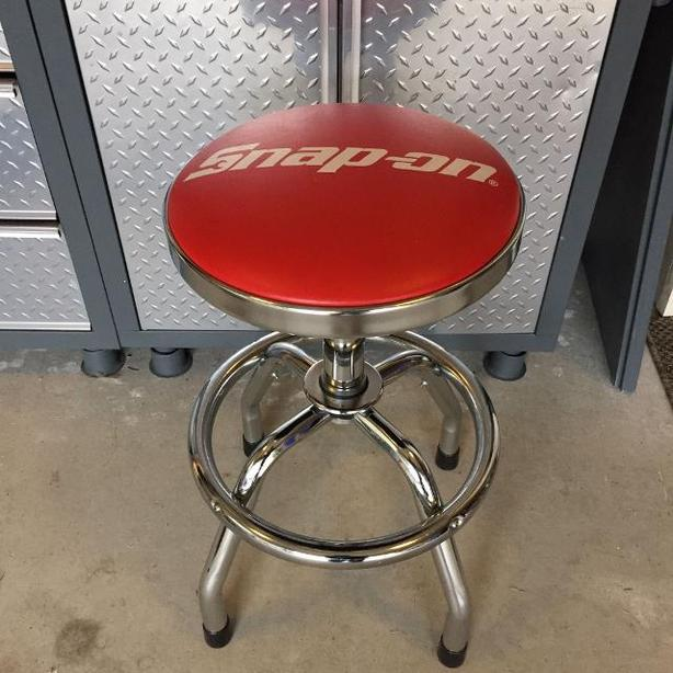 Chrome and Red Seat Snap On Tools Hydraulic Stool