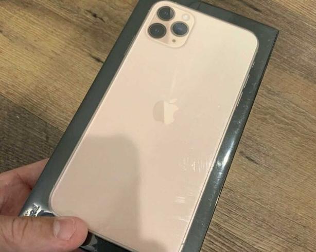 iPhone 11 Pro Max Unlocked