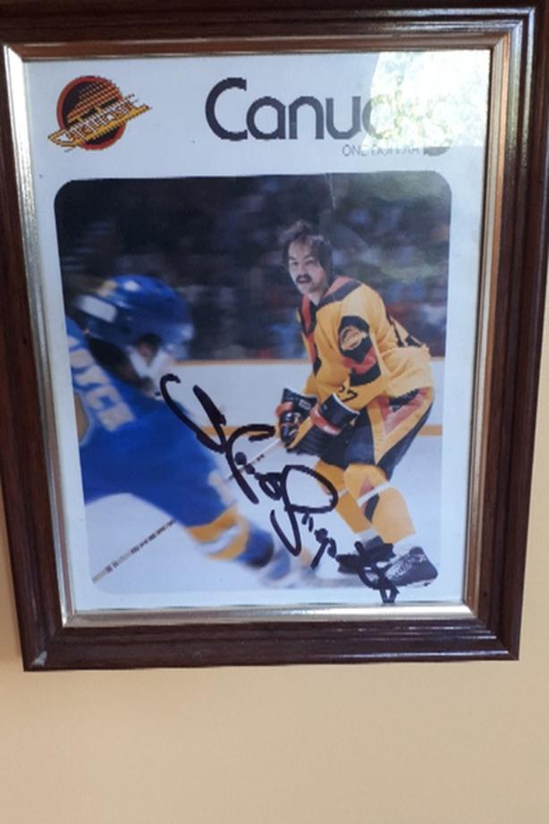 Harold Snepts Autographed Canucks Program