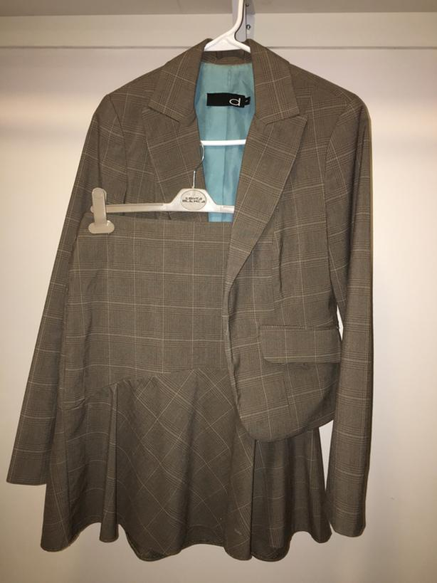 Brown Women's Suit with Blazer & Skirt - size 4/Small
