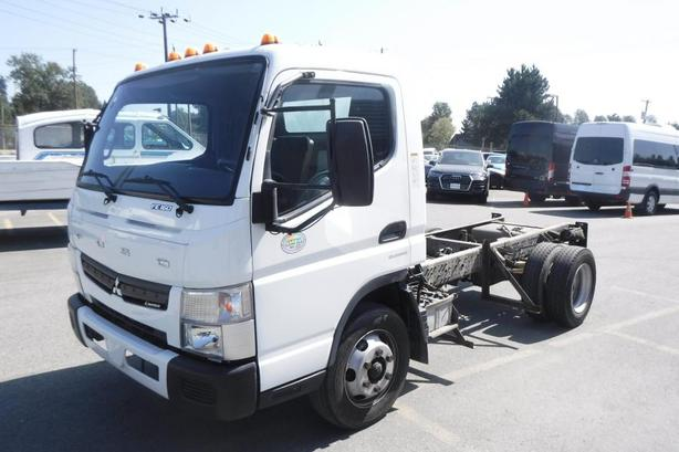 2015 Mitsubishi Fuso FE160 Diesel Dually Cab And Chassis 114 Inch Wheelbase
