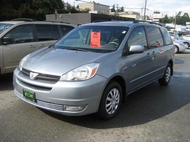 "2004 Toyota Sienna ""LE"" leather, loaded NO ACCIDENTS"