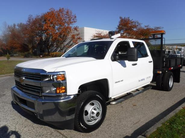 2015 Chevrolet Silverado 3500 HD 9 Foot Flat Deck Crew Cab 2WD with Crane