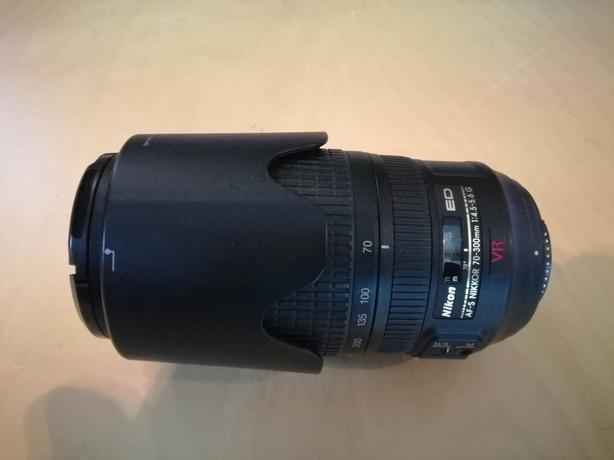 Nikon 70-300mm VR FX AF-S f/4.5-5.6 G