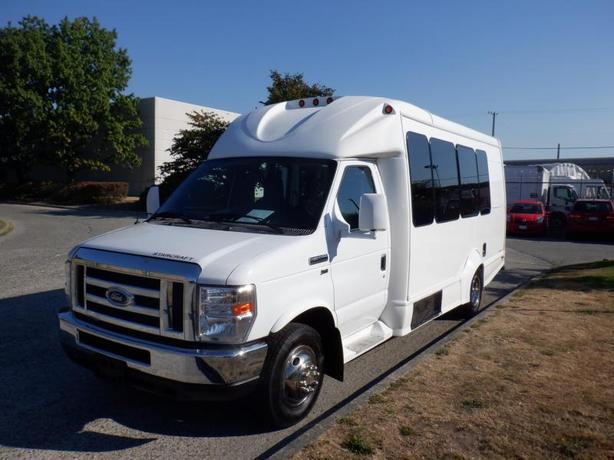 2016 Ford Econoline E-350 15 passenger Bus