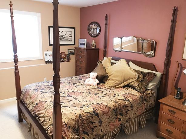Antique, Victorian, 4-Post, Hide-a-bed, Oak Furniture