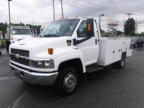 2008 Chevrolet C4500 Service Truck with Crane Diesel
