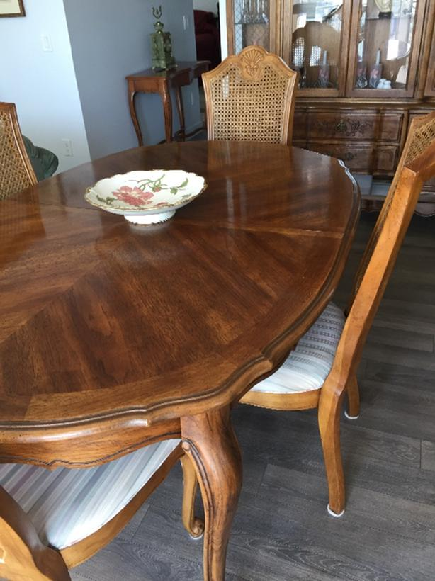 New Price Dining Room Table And Chairs