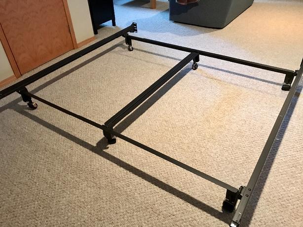 Deluxe Queen Bed Rail