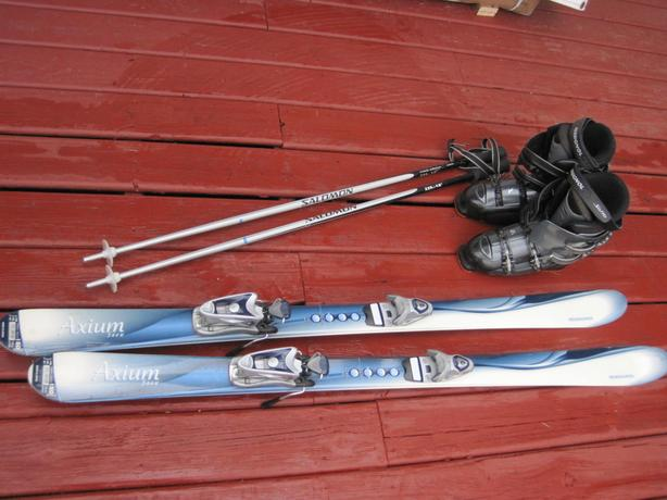 Women's Skis and boots