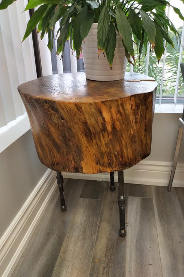 Solid finished wood - side table / coffee table / office