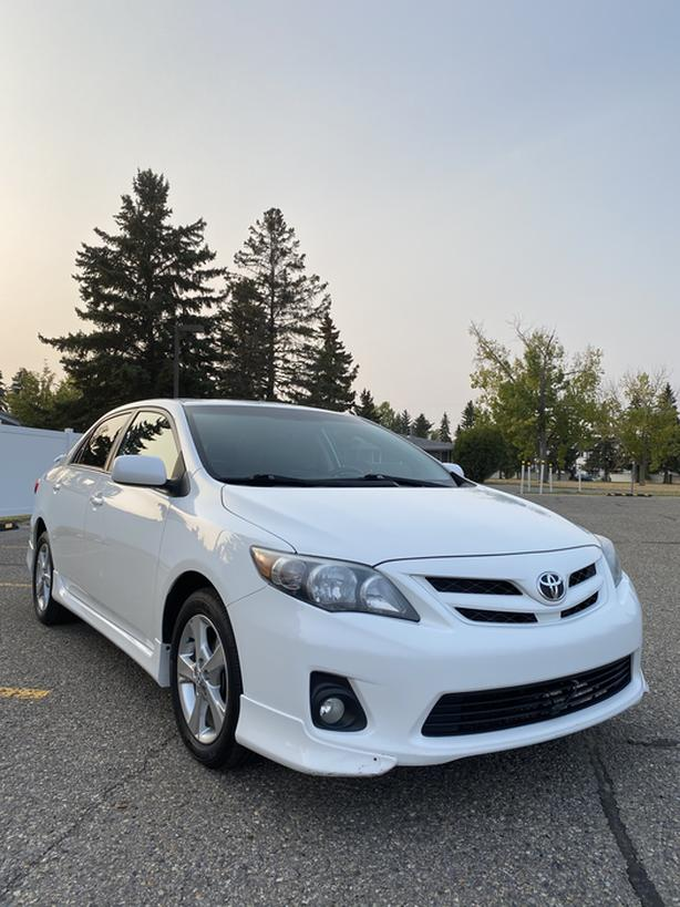 2013 Toyota Corolla S - Fully loaded