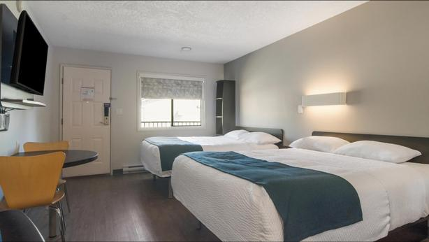 Attention Snowbirds!  Long term Stay - Kitchenette Unit at Motel 6