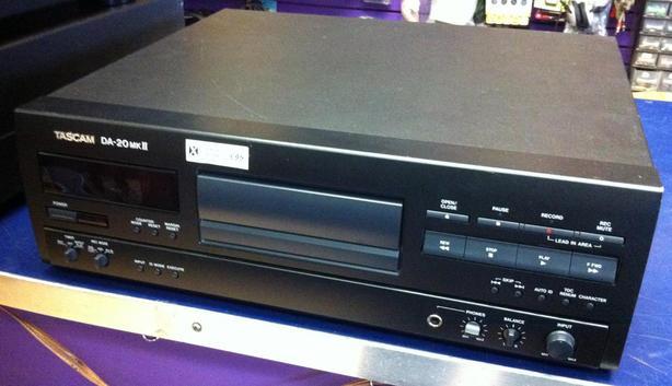 TASCAM DA-20 MKII  Digital  Audio Recorder