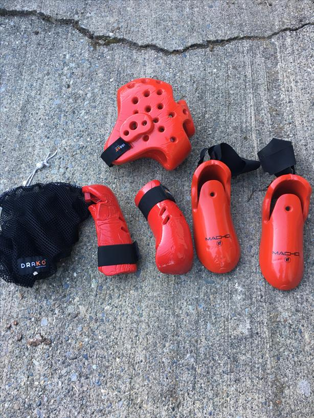 kung fu sparring gear and sticks