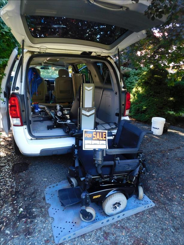 Wheelchair/scooter van