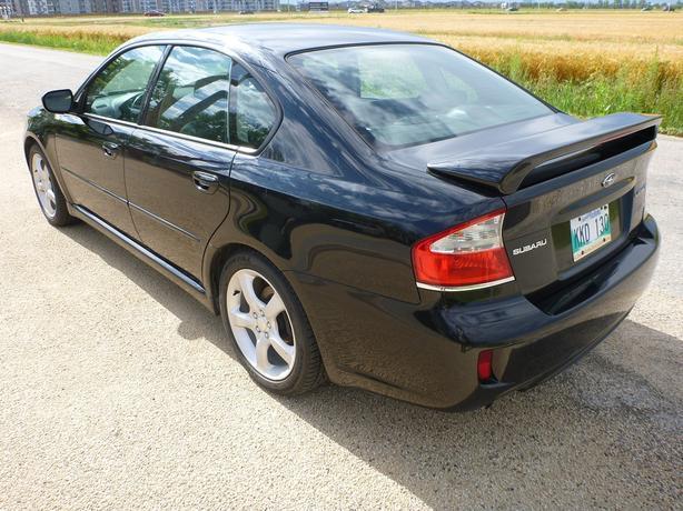 2009 Subaru Legacy 2.5i Limited AWD 4-Door Sedan