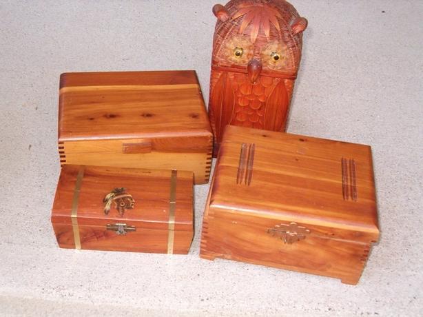 boxes,cedar wood , trinket, keepsake . jewellery , chest-box