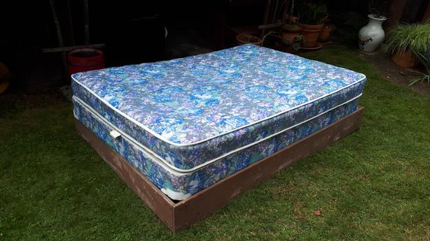 """Full Bed matress with frame and boxspring 75"""" x 54"""""""
