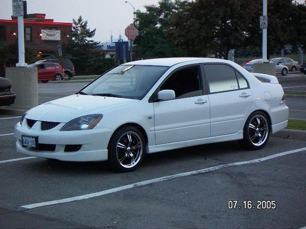WANTED: WANTED 4 DOOR WHITE OR BLACK AUTOMATIC (CIVIC,MAZDA,TOYOTA)