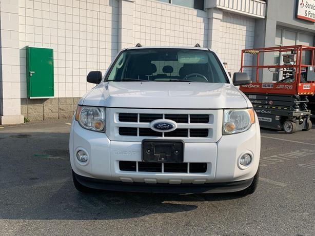 2009 Ford Escape Hybrid 4WD - LOCAL BC SUV - NO ACCIDENTS!