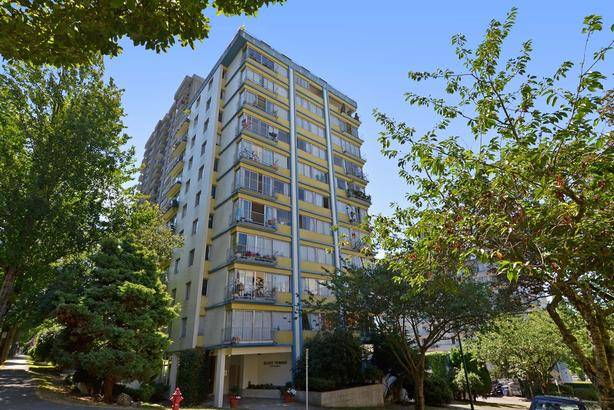 RENOVATED 7th floor 650 sf; with ocean views; in suite laundry
