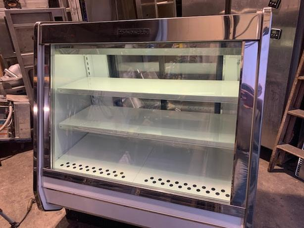 (GENERAL)  MEAT/DELI/CHEESE RETAIL DISPLAY COOLER