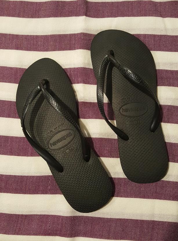 Havaiana's slim black flip flops - Women's size 35-36 (EUR 37-38)