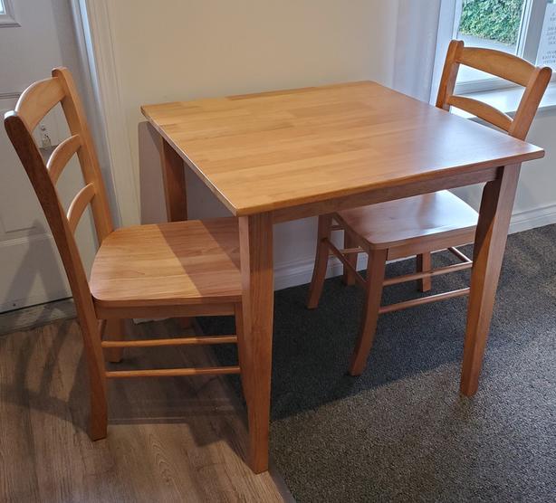"30"" Solid Wood Square Kitchen Set"