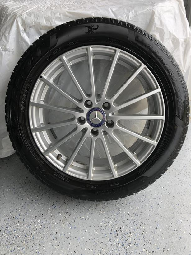 Mercedes alloy wheels with winter tires