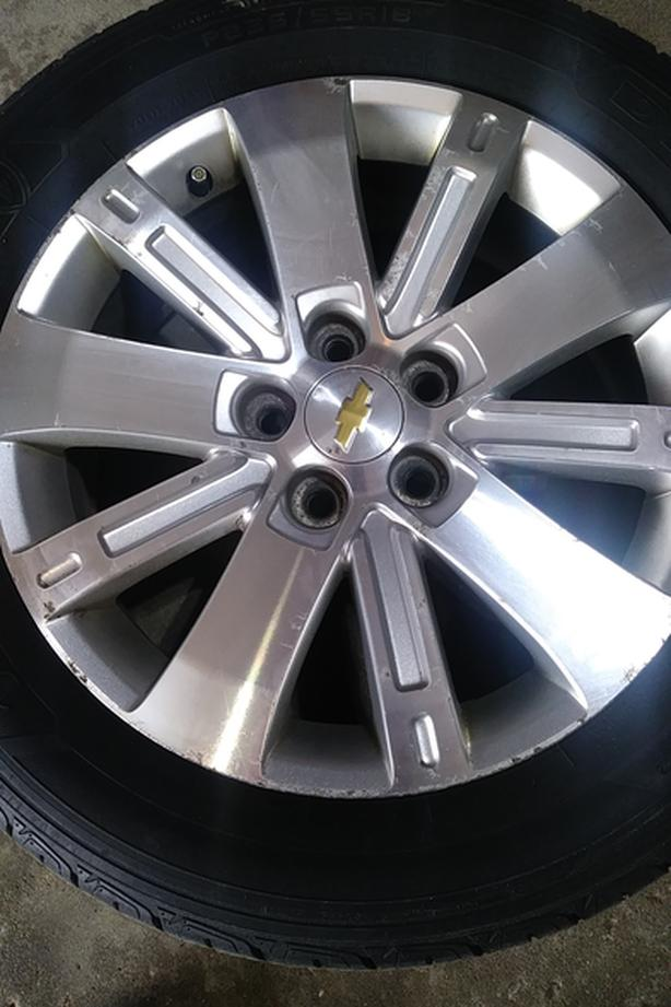 Chevy Equinox rims and tires