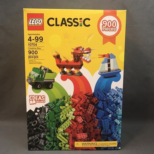 New LEGO 900 piece box