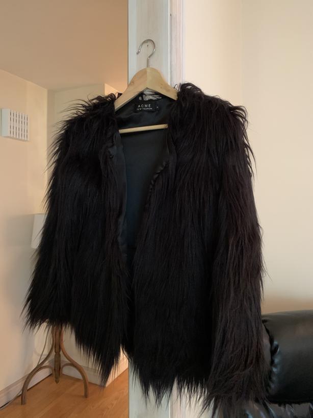 Faux fur small coat