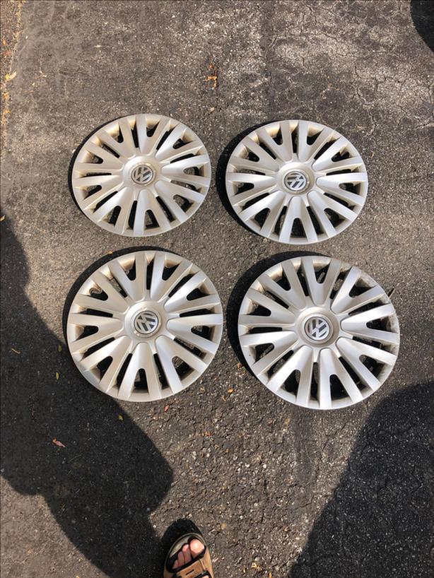 VW wheel hub covers for 15 inch rims
