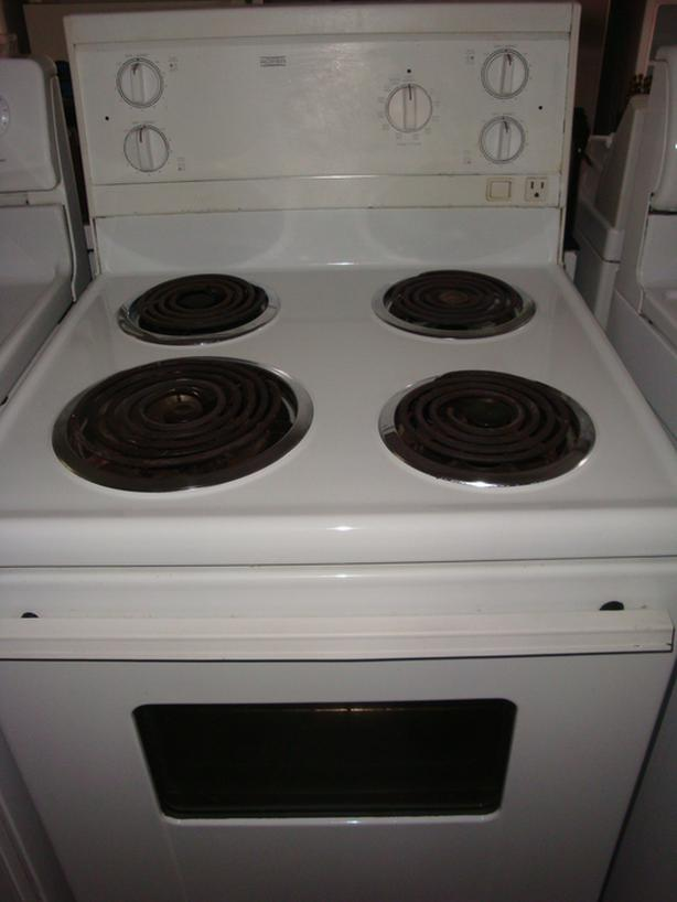 "Roper(made by Whirlpool) 24"" apartment size stove"