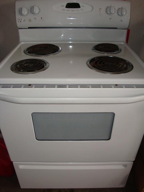 Maytag self clean stove,in excellent condition