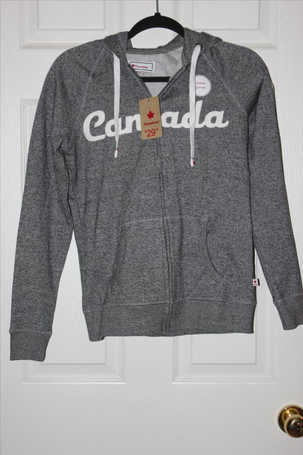 Canadiana Ladies Zip Up