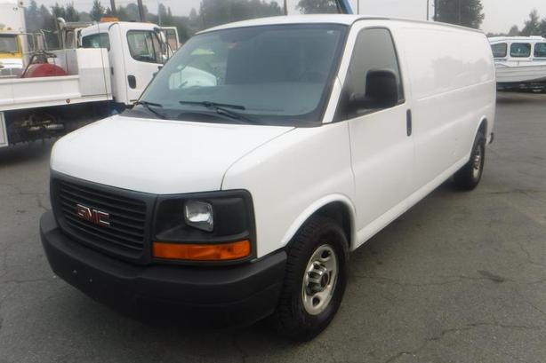 2012 GMC Savana G2500 Extended Cargo Van with Rear Shelving