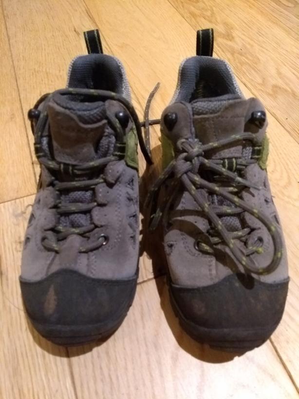 Kids gortex hiking shoes size 12