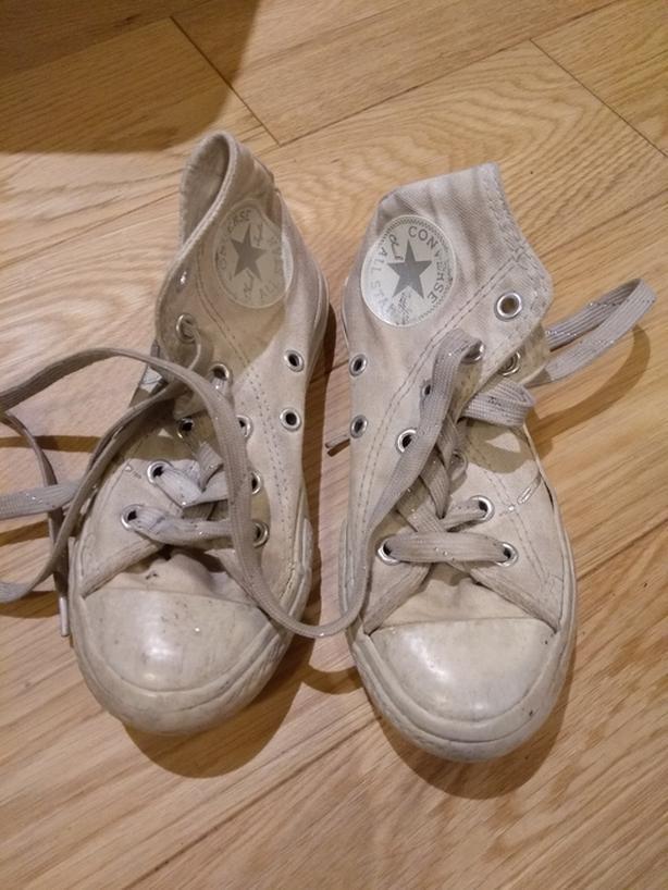 Kids converse shoes size 11
